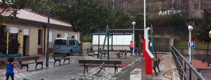 Estación de Bicicletas Bilbonbizi Olabeaga is one of Estaciones de Bicicletas Bilbonbizi.