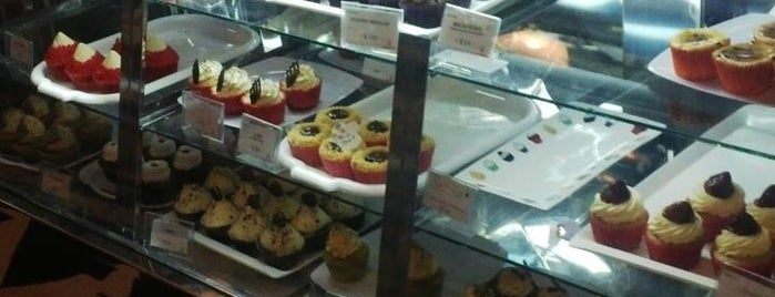 Muma's Cupcakes is one of Baires.