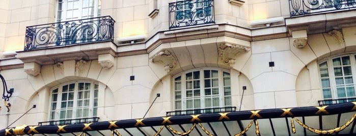 Le Bristol is one of I Want Somewhere: Hotels & Resorts.