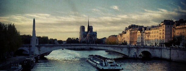 Pont Sully is one of Paris.