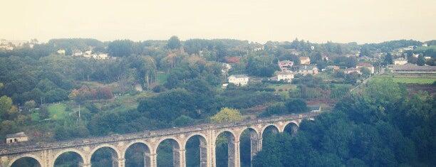 Lugo is one of Les chemins de Compostelle.