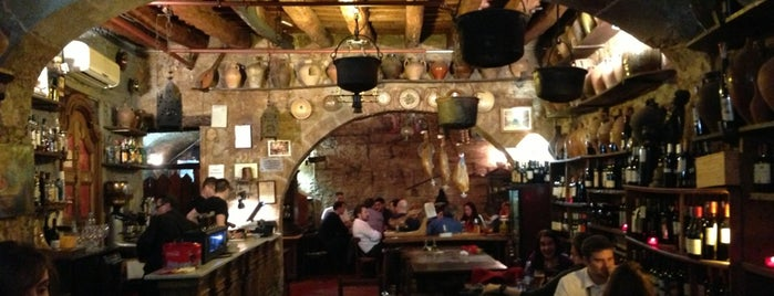 Bodega La Tinaja is one of Barcellona Tapas.