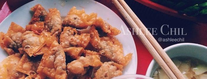 Há Cảo Bánh Tôm is one of Ăn vặt Hà Nội.
