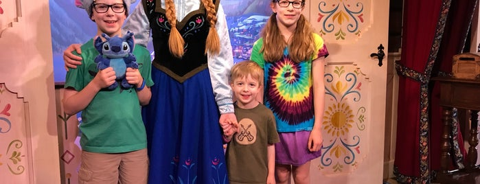 Royal Sommerhus: Meet Anna & Elsa is one of Epcot World Showcase.