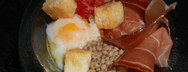 Dique Uno Resto is one of Restaurantes en Fondo de Olla.