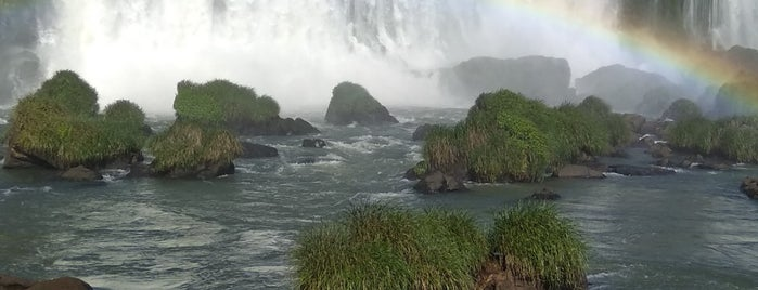 Iguassu Falls is one of Foz.