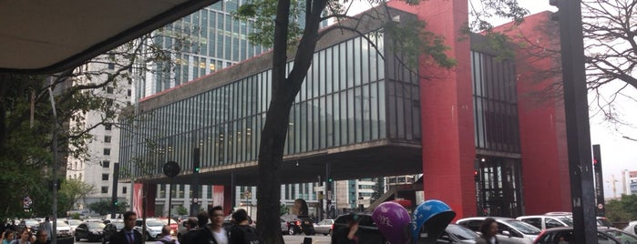 São Paulo Museum of Art is one of to go / go back.