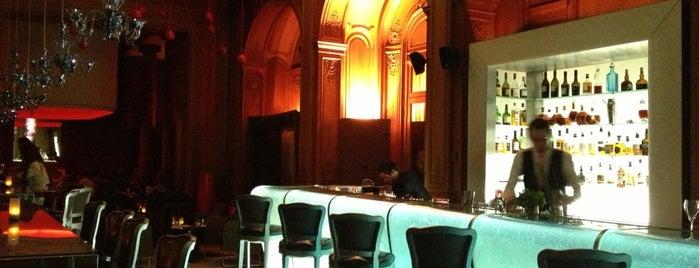 Le Bar du Plaza Athénée is one of Paris,  à votre santé.