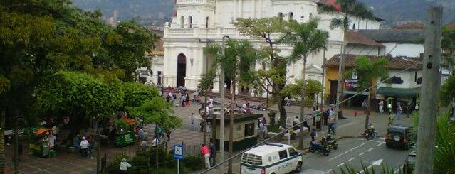 Parque de Envigado is one of For Colombia.