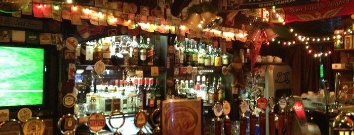 Ирландский Паб Финнеганс is one of Выпить и весело .