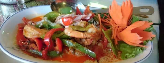 the 11 best places for pad thai in calgary. Black Bedroom Furniture Sets. Home Design Ideas