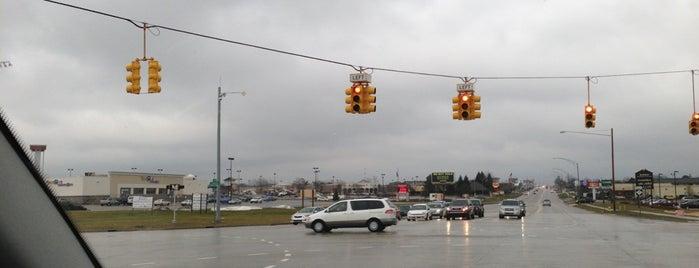 East Beltline Ave SE (M-37) & 28th St SE (M-11) is one of Windridge.