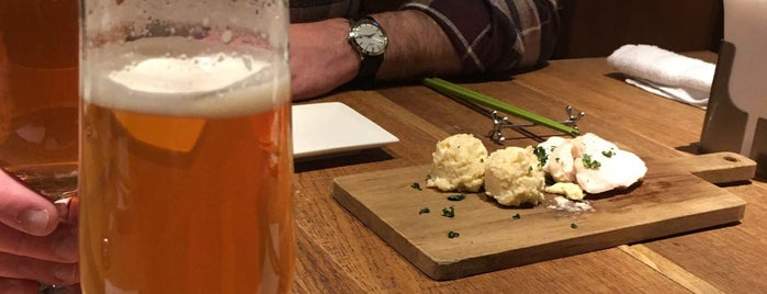 ラ・クローヌ is one of 多摩地区お気に入りカフェ&レストラン.