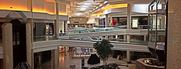 Woodfield Mall is one of Pinpointed locations.