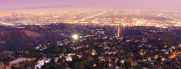 Hollywood Sign is one of Bucket List ☺.