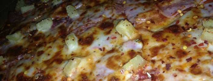 Tomato Pie is one of Let's eat pizza in D-FW!.