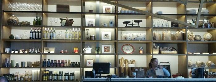 7 Molinos is one of Café & Boulangerie.