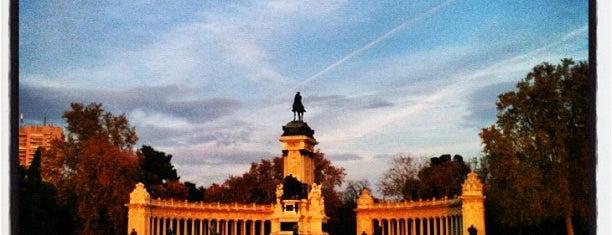 Parque del Retiro is one of Perderse por Madrid.