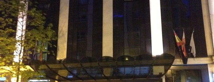 Hotel Silken Coliseum is one of Hoteles en que he estado.