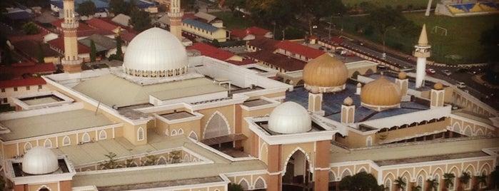 Masjid Khalid Ibnu Al Walid is one of masjid.