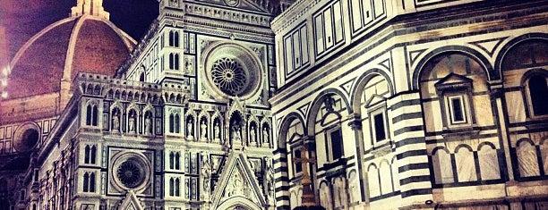 Cattedrale di Santa Maria del Fiore is one of 死ぬ前に訪れたい歴史ある場所.