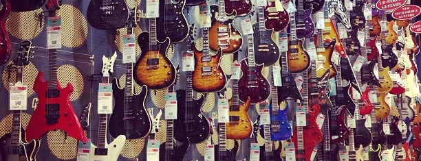 Guitar Center is one of NYC Best Shops.
