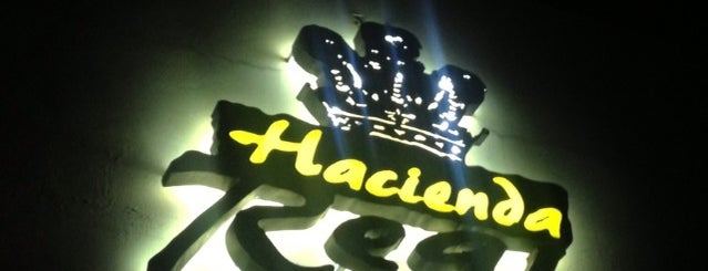 Hacienda Real is one of Favoritos.