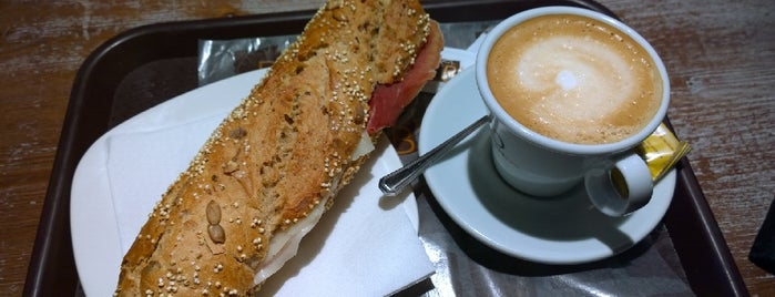 Blat is one of Breakfast and nice cafes in Barcelona.
