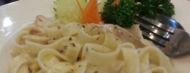 Guu Fusion Roti & Tea is one of Cafe&Bakery.