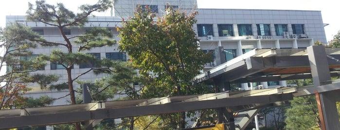 서울대학교 311동 화학공정신기술연구소 is one of Seoul Natl Univ.
