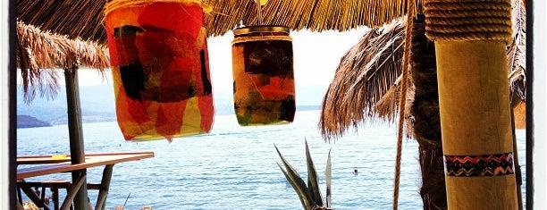 Congas Beach Bar is one of doğallık..