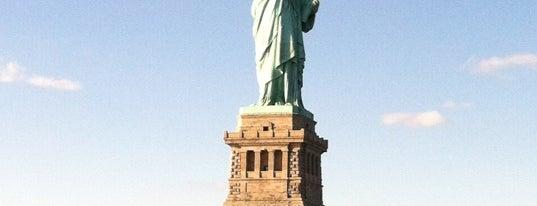 Estatua de la Libertad is one of Bucket List Places.