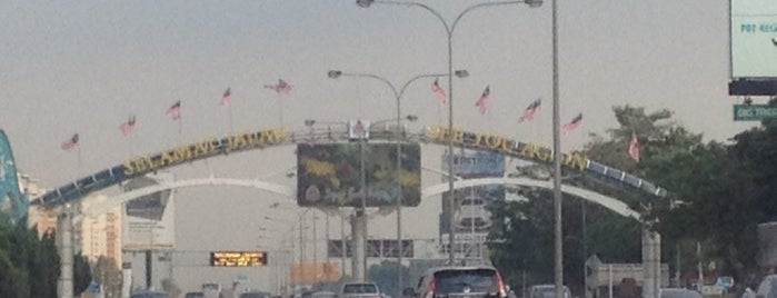 Kuala Lumpur City Border is one of b.
