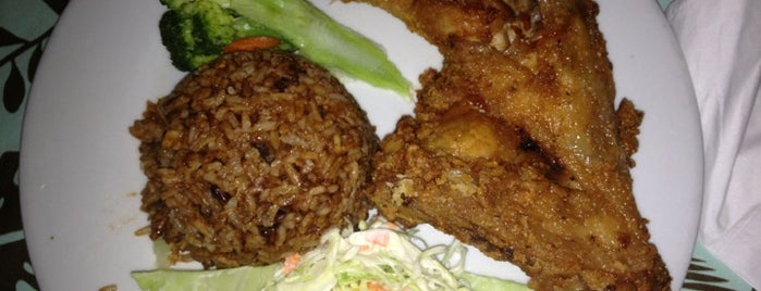 Cricket Club is one of The 15 Best Places for Seafood in Nassau.