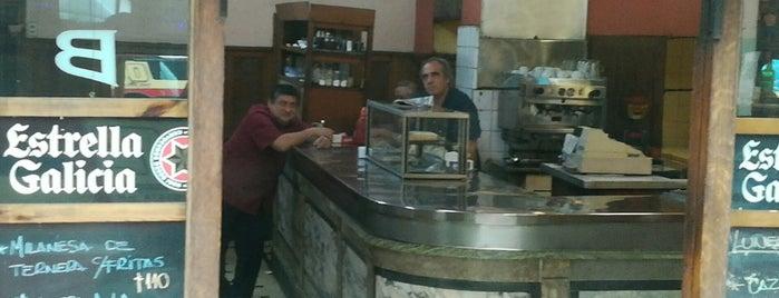 Café Bar Mar Azul is one of Bares Notables.