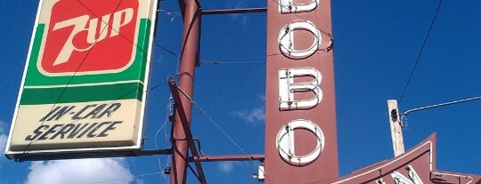 Bobo's Drive In is one of DINERS DRIVE-IN & DIVES 3.