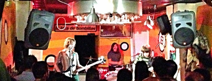 La lata de bombillas is one of Bares concierto en Zaragoza.