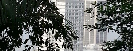 Leme - Rio de Janeiro is one of Empresas e Estabelecimentos de Botafogo RJ.