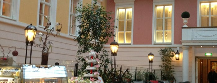 Belmond Grand Hotel Europe is one of San Petersburgo, Rusia.