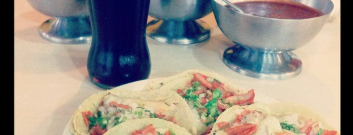 Taqueria Charly is one of comer rico.