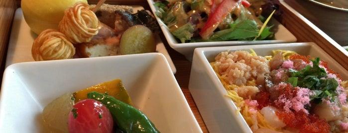 神楽坂 和らく is one of Tim's Favorite Restaurants & Bars around The Globe.