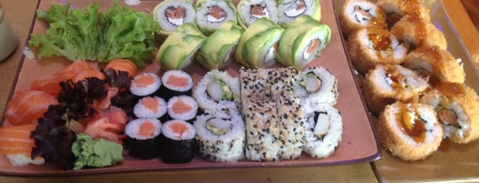 Duri Sushi is one of Bares, restaurantes y otros....