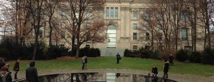 Denkmal für die im Nationalsozialismus ermordeten Sinti und Roma Europas is one of Volta ao Mundo oneworld: Berlim.