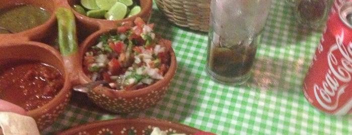 Tacos & Beer is one of En Vallarta.