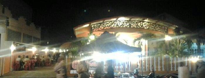 @Home บ้านนี้มีแต่ของอร่อย is one of ร้านอาหารมุสลิม.