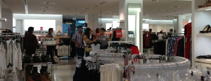 Zara is one of compras.