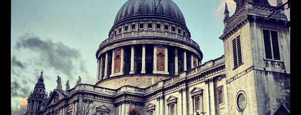 St Paul's Churchyard is one of London todos.