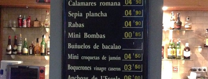 Los Porrillos is one of Patatas Bravas de Barcelona.