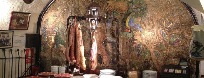 Las Cuevas de Luis Candelas is one of BEBER Y COMER EN MADRID.