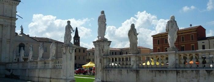 Abbazia di San Benedetto in Polirone is one of Luoghi da ricordare.